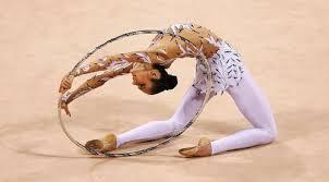 Упражнения с обручем в художественной гимнастике