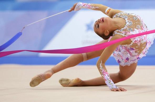 Восьмерки лентой в художественной гимнастике